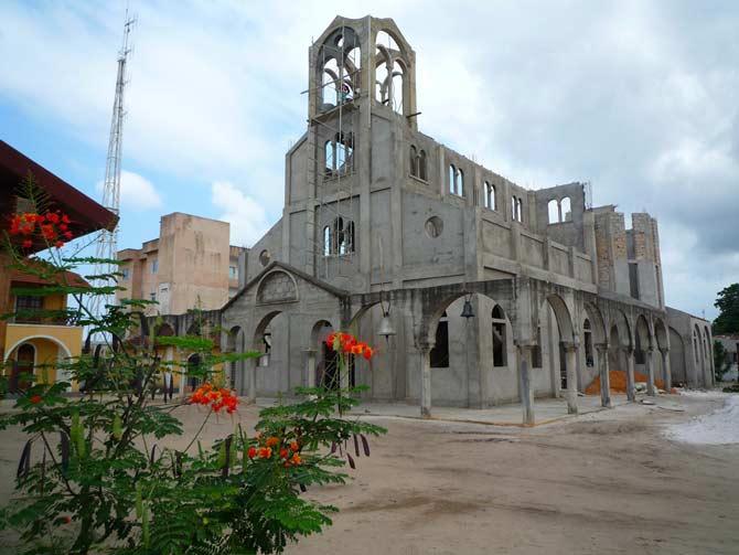 Biserica in constructie