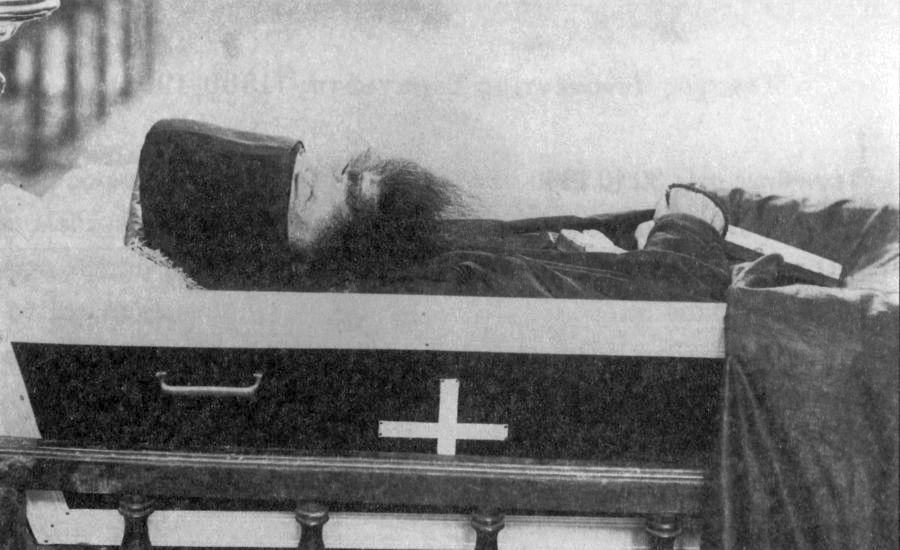 Inmormantarea Monahului Inochentie