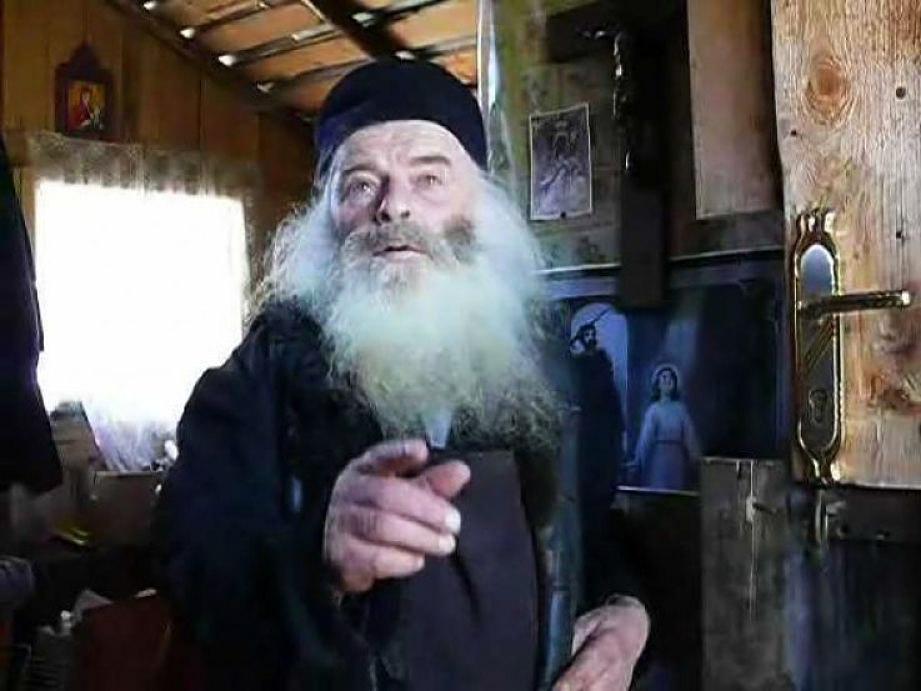 Părintele Proclu, pustnicul din Munții Neamțului: Omului invidios să nu-i spui niciodată bucuria ta!