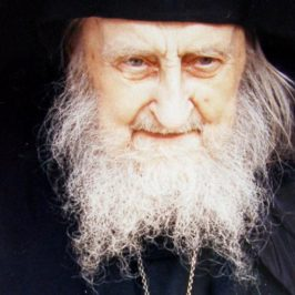 Starețul Sofronie de la Essex – Theologul Luminii Nezidite