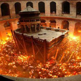 VIDEO: Sfânta Lumină a venit la Ierusalim și în 2018! Hristos a înviat!